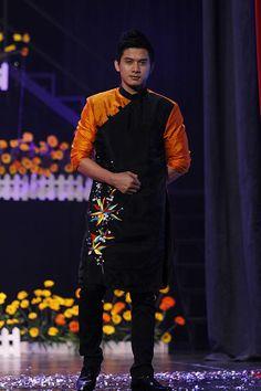 Modern Vietnamese tradiotnal dress for men