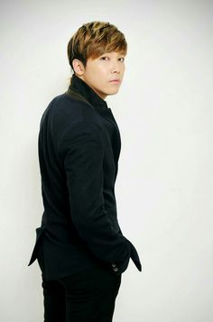 Lee Hong Gi  (FT ISLAND)