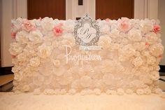 ข้อมูล แต่งงาน : Backdrop ดอกไม้กระดาษ งานคุณ Ploy&Aun