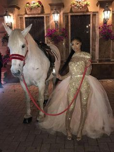 Very creative. Prom Girl Dresses, Pretty Prom Dresses, Prom Outfits, Black Prom Dresses, Homecoming Dresses, Swag Outfits, Prom Goals, Prom Queens, Prom Night