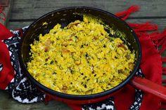 Oua umplute cu pasta de avocado si o recomandare - CAIETUL CU RETETE Romanian Food, Rice, Cooking Recipes, Eggs, Avocado, Lawyer, Chef Recipes, Egg