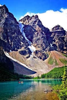 Moraine Lake, Banff National Park , Alberta, Canada