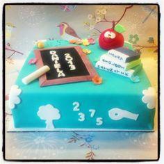 HOLLYS CAKES: Graduation Cake