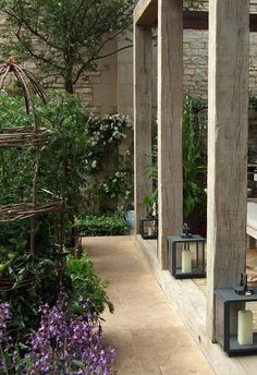 Daylesford Organic Garden building at Chelsea Flower Show 2008. http://plotblog-lilymarlene.blogspot.co.uk