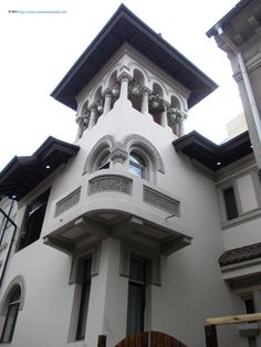 Traditional architecture in the central area. The style is the Romanian Brancovenesc, which combines traditional folk art motives with inspiration from religious constructions. Beautiful Castles, Beautiful Buildings, Unique Architecture, House Elevation, Bucharest, Modern House Design, Exterior Design, House Plans, Traditional