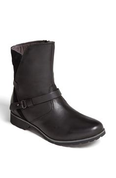 Free shipping and returns on Teva 'De la Vina' Boot at Nordstrom.com. Moto-inspired buckle details toughen up a water-resistant leather boot that maintains its style in wet, rainy weather.