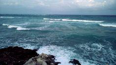 Este día de maravillosas nubes y olas les dejo una imagen para apreciar la belleza del mar.