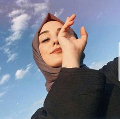 Good morning world . Arab Girls Hijab, Muslim Girls, Hijabi Girl, Girl Hijab, Girl Photography Poses, Girl Photo Poses, Hijab Hipster, Hijab Mode, Hijab Makeup