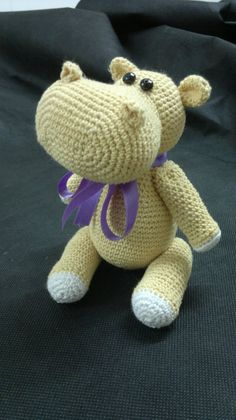 Este simpático amigurumi no es difícil de realizar, sólo basta con tejer siguiendo las instrucciones. Se puede utilizar cualquier grosor d...