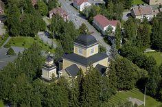Karstulan kirkko ja keskusraitti. Kuva: MV/RHO Hannu Vallas 2005
