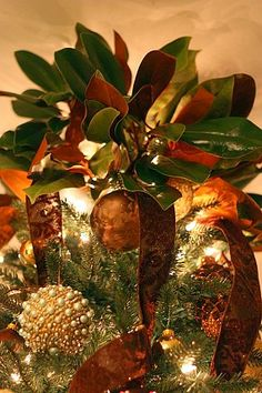 Christmas Tree Topper - lots of great Christmas tree inspiration