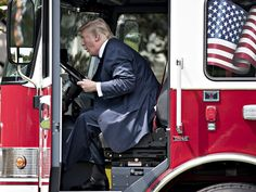 Trump Loses His Mind in Tirade After Firefighters Endorse Biden - Ive done more for Firefighters than this dues sucking union will ever do Trump raged like a lover scorned and I get paid ZERO! Chris Wallace, Game Of Thrones Fans, Great Stories, Joe Biden, Vanity Fair, Rage, Donald Trump, Presidents, Laughter