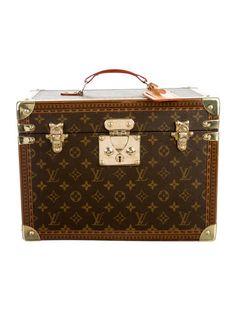 3bd85958971a Louis Vuitton Toiletry Case Authentic Louis Vuitton