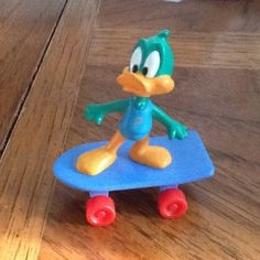 Tiny toon adventures plucky duck rare Skateboard vintage