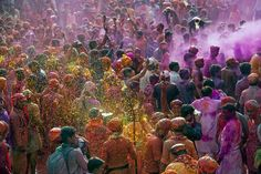 Wondering what's the date of Holi? Find out when is Holi in 2021 and 2022 here. Goa, Holi Special, Today India, Beginning Of Spring, Happy Holi, Recent News, Winter Holidays, Beautiful Pictures, Around The Worlds