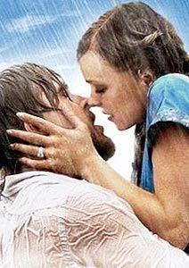 Experimente chover-se em beijos, ao invés de simplesmente beijar na chuva. R.P.
