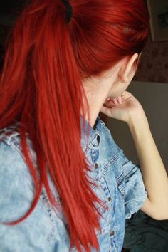Image about girl in Cheveux by Dudu on We Heart It - This red hair color is nex. - Image about girl in Cheveux by Dudu on We Heart It – This red hair color is next! It will change - Brown Hair Dyed Red, Bright Red Hair, Red Hair Color, Cool Hair Color, Red Orange Hair, Hair Colors, Cheveux Oranges, Luxy Hair, Ginger Hair