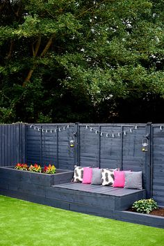 A Garden Makeover (Our Old Home) – Mummy Daddy Me - Alles für den Garten Backyard Patio Designs, Small Backyard Landscaping, Backyard Fences, Modern Backyard, Modern Deck, Backyard Privacy, Large Backyard, Fenced In Backyard Ideas, Corner Landscaping Ideas