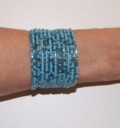 "1 Flexibele Kraaltjes armband "" Frozen "" Ibiza stijl TURQUOISE LICHT BLAUW- Dames / Meisjes - Ladies / Girls - 1 Flexible Beaded bracelet  "" Frozen "" Ibiza fashion style TURQUOISE LIGHT BLUE"