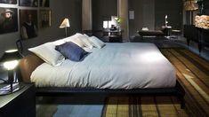 Cassina, made in Italy: Sled bed by Rodolfo Dordoni. #cassina #picoftheday #instagood #instalover #madeinitaly #italiandesign #italy #design #architecture #interiordesign #richnesst #bed #rodolfodordoni #raulberberdelarenal #duomorichnesst #followme #instagram #furniture #raulberber #raulbearbear