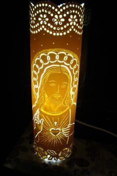 Luminária com 35cm de altura. <br> <br>* Não acompanhar lâmpada. <br> <br>Toda instalação elétrica completa.