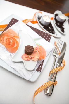 """set your table with """"Apricot Roses""""   HOME FASHION http://www.homefashion.de/index.php?tid=2_1&cdid=211410   #Love #Wedding #Rose #Tablesetting  #Napkin #Apricot"""