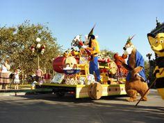 Step In Time: Christmas Parade at Magic Kingdom Park in 1977  tami@goseemickey.com