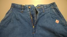 Original Vintage EMANUEL 1980s Light Blue high waist Jeans for women with pinces. Made in Italy di RCClo su Etsy