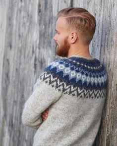 Riddari Icelandic Sweaters, Wool Sweaters, Mens Attire, Norway, Crochet Projects, Knit Crochet, Sons, Men Sweater, Pullover