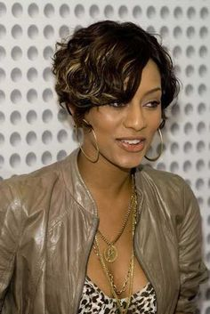 Short hairstyles Short Hairstyles For Black Women 2013 Short Hairstyles 2016 Black Women Short Hairstyles, Short Curly Haircuts, Popular Short Hairstyles, Curly Bob Hairstyles, Short Hair Cuts, Bob Haircuts, Bride Hairstyles, Trendy Hairstyles, Curly Short