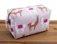 Llama Makeup Bag – Llama Gifts for Her – Llama Bag – Makeup Organizer Bag – Toil… Alpacas, Hanging Makeup Organizer, Makeup Bag Organization, Large Makeup Bag, Makeup Bags, Makeup Brushes, Llama Decor, Llama Gifts, Cute Llama