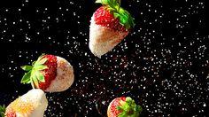 Chocolate and chilli-sugar strawberries recipe : SBS Food Raspberry Fool, Raspberry Brownies, Strawberry Dip, Strawberry Recipes, Hazelnut Meringue, Sweet Pizza, The Cardigans, Lemon Syrup, Sbs Food