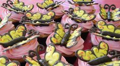 Candy Melt® Butterfly tutorial. I made these for one of Laura's birthday cakes.  Easy and cute.