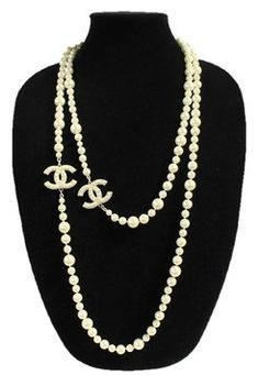 Find the This iconic Chanel necklace is an elegant strand of faux pearls with interlockin…: at The RealReal is the. Chanel Pearl Necklace, Chanel Pearls, Chanel Jewelry, Fashion Jewelry, Necklace Charm, Strand Necklace, Golden Jewelry, Pearl Jewelry, High Fashion