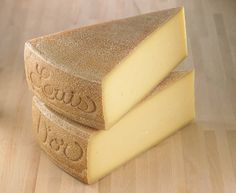 Canada's best cow's milk cheese is Louis d'Or from Quebec. It won best farmhouse cheese, best firm cheese, best organic cheese and grand champion at the Canadian Cheese Grand Prix. Canadian Cheese, Wine Recipes, Cooking Recipes, Cheese Design, Milk And Cheese, Best Cheese, How To Make Cheese, Wine And Beer, Group Meals