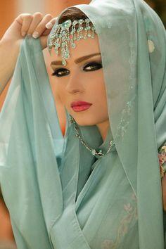 ღ❤️Turquoise lovely color❤️ღ Beautiful Eyes, Beautiful People, Most Beautiful, Beautiful Women, Beautiful Hijab, Arabian Beauty, Beauty And Fashion, Exotic Beauties, Lehenga Choli