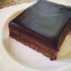 is: Ómótstæðileg lakkrís- og súkkulaðikaka Þessi bráðnar í munni. Cheescake Recipe, Spice Cake Recipes, Melt In Your Mouth, Sweet Cakes, Bakery, Deserts, Cooking Recipes, Sweets, Chocolate