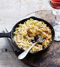 Käsespätzle - Herzhafte Gerichte aus der Alpenküche - [LIVING AT HOME]