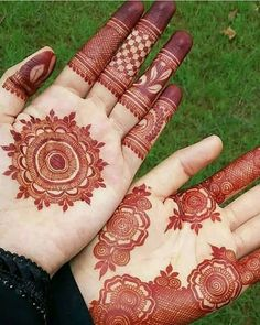 Recently browsing for best mehndi designs? See here our most beautiful ideas of henna or mehndi designs that are really awesome way for ladies to create in year Palm Mehndi Design, Indian Mehndi Designs, Mehndi Designs For Beginners, Modern Mehndi Designs, Mehndi Designs For Girls, Mehndi Design Pictures, Wedding Mehndi Designs, Henna Designs Easy, Beautiful Henna Designs