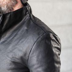 A Diciannoveventitre culatta black leather jacket,horse oil