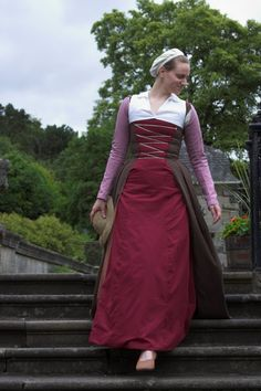 flemish dress and kirtle