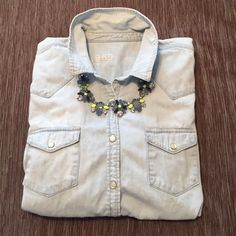 GAP Chambray Shirt. Gently worn GAP chambray shirt. Still in great condition. Snaps in front. Comes from non smoking/pet home. GAP Tops Button Down Shirts