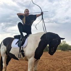 "Equestrian Alex Bauwens ( is bringing mounted archery back from the Middle Ages. 🐴⚡️🏹 ""I'm a big fan of fantasy books and… Mounted Archery, All The Pretty Horses, Action Poses, Equestrian Style, Equestrian Outfits, Fantasy Books, Horse Girl, Horseback Riding, Horse Riding"