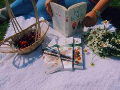"""42 aprecieri, 3 comentarii - Georgeana G. Aciobăniței (@georgeanagaciobanitei) pe Instagram: """"Love&Gelato este ultima carte citită. În contextul actual în care calatoriile nu mai sunt la fel de…"""""""