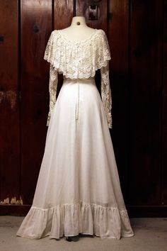 vintage 1970s wedding dress / white lace 1960s by vintagearchives, $175.00  This is almost the one I wanted.