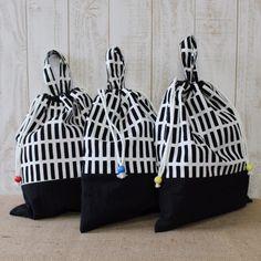 入園・入学グッズでとっても便利な着替え袋になりますサイズも大きいのでたくさん着替えが入ります体操着入れに、保育園の着替え袋に、旅行の細かいものをまとめるポーチ...|ハンドメイド、手作り、手仕事品の通販・販売・購入ならCreema。