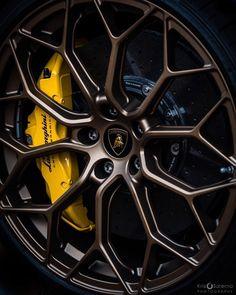 RODA COR COBRE Corsa Classic, Top Luxury Cars, Street Racing Cars, Rims For Cars, Lamborghini Huracan, Car Wheels, Car Photography, Car Wallpapers, Amazing Cars