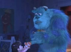 22 Pixar Movie Easter Eggs You May Have Seriously Never Noticed Boo hands Sully her Nemo toy and Sully is holding the toy story ball Disney Pixar, Walt Disney, Disney Facts, Disney Magic, Disney Nerd, Disney Fun, Disney Cruise, Disney Stuff, Film Pixar