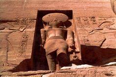 Dios Horus, el sol naciente.