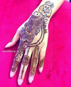 Pretty Henna Designs, Floral Henna Designs, Henna Tattoo Designs Simple, Back Hand Mehndi Designs, Latest Bridal Mehndi Designs, Mehndi Designs 2018, Mehndi Designs Book, Mehndi Designs For Girls, Mehndi Designs For Beginners